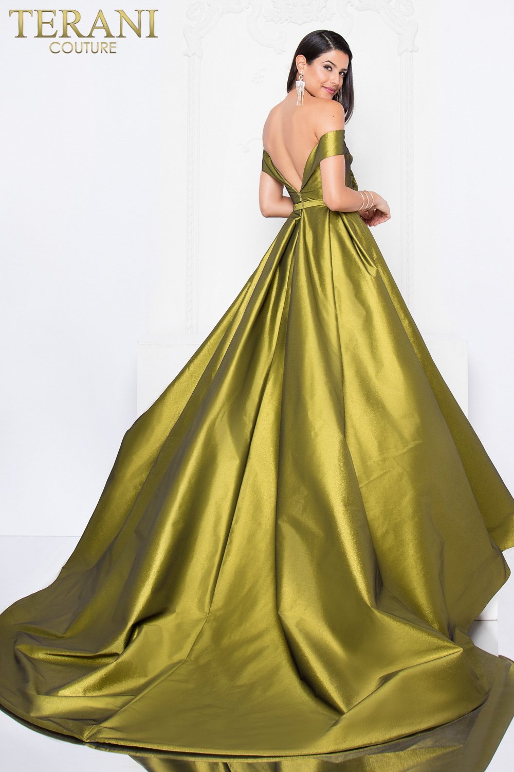 Regal Off the Shoulder Exaggerated Ball Gown - 1812P5879X
