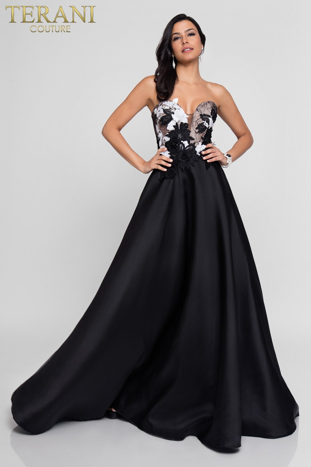 Ball Gown Prom Dresses Black