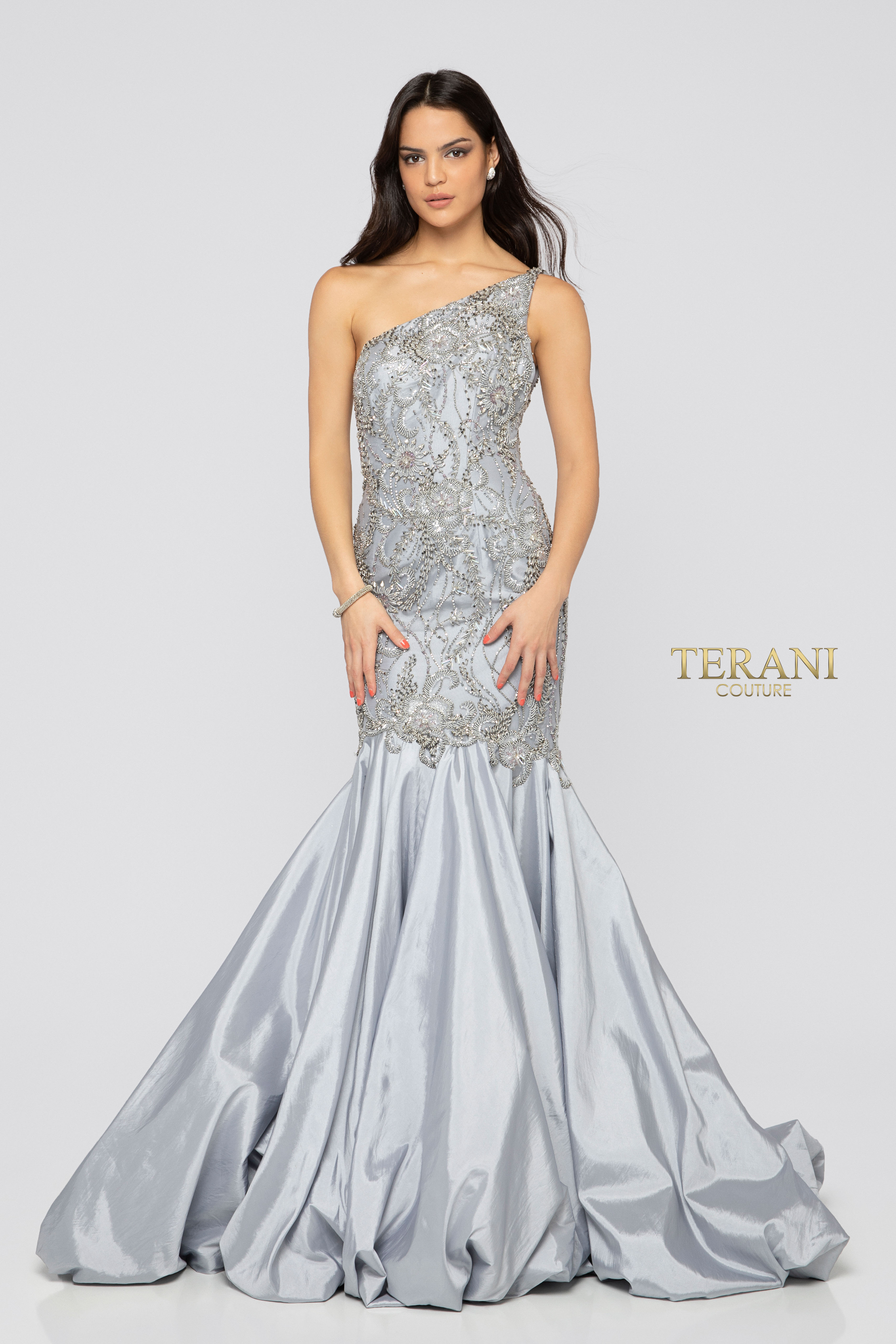 c4142755637bd Find Terani Stores