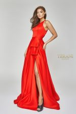 Halter neck satin gown with peplum - 1921E0102