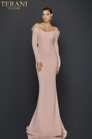 Form Fitting Long Gown with Scoop Neck – 1921E0117