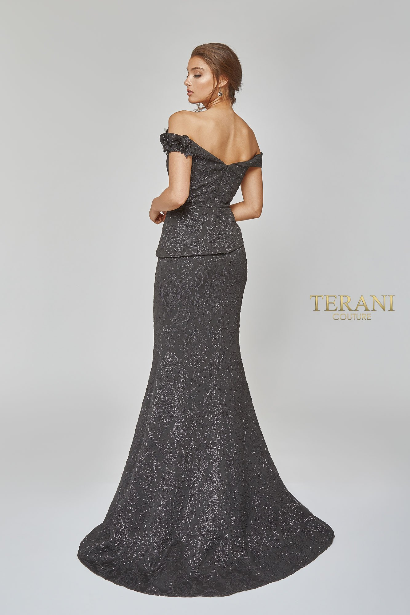 Off shoulder gown with floral detail - 1921E0146
