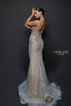 Glittering Glass Bead Gown with Form Fitting Body – 1921GL0621