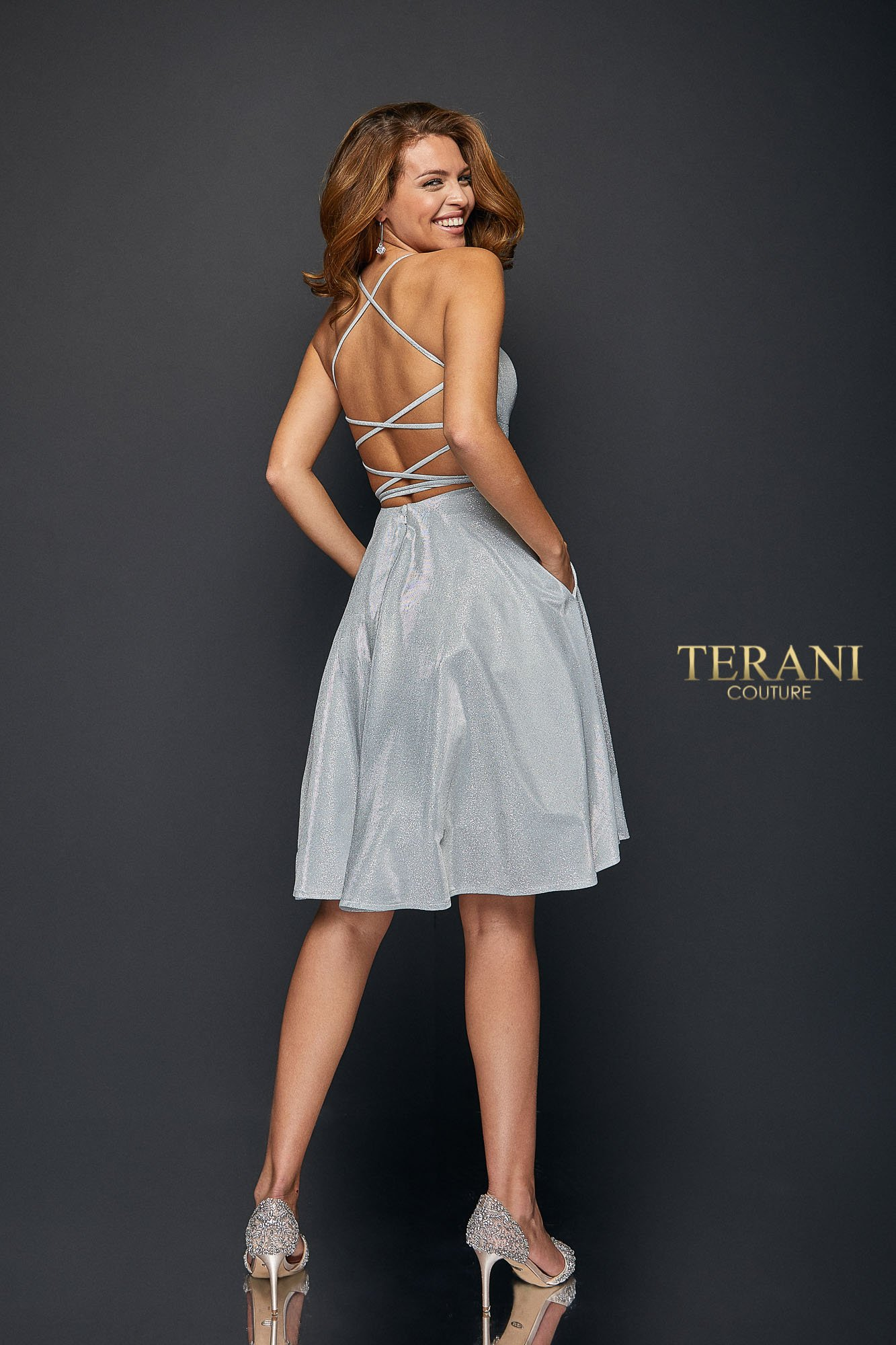Fitted Front Bodice and Soft Swing Skirt - 1921H0338