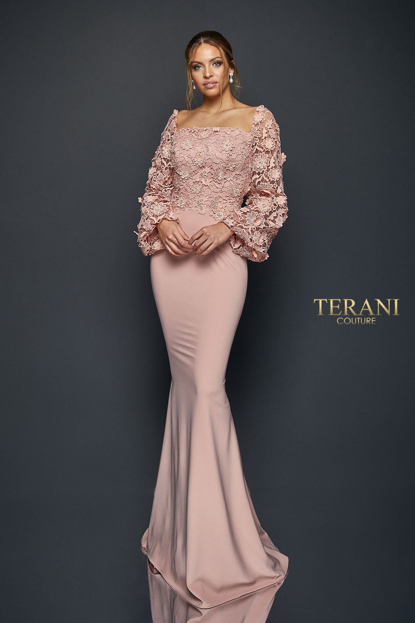 Flower lace full sleeve slim dress. 1921M0489.