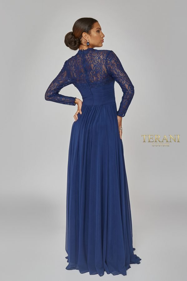 Lace back long sleeve airy dress. 1923M0597