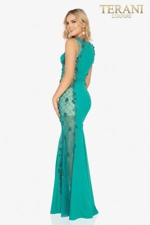 Glamorously sophisticated beaded sides of an evening gown  –  2017E2304